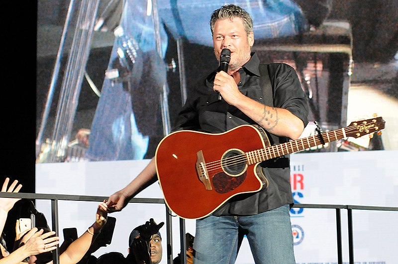 Blake Shelton Gatlinburg, Blake Shelton Gatlinburg restaurant, Blake Shelton Restaurant Gatlinburg, Blake Shelton's Ol' Red, dining in Gatlinburg, Gatlinburg restaurant, Gatlinburg shows, shows in Gatlinburg